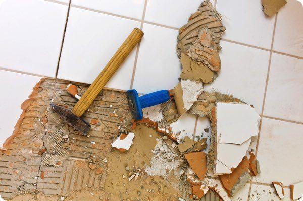 床が剥がれた